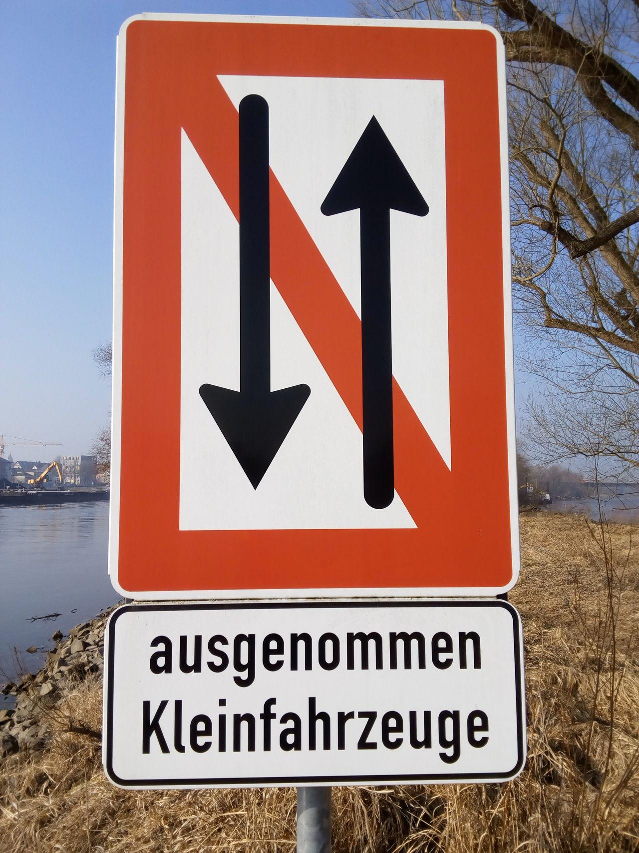 Warning Sign Road Sign Traffic Verkehrszeichen Verkehrsschild Schild