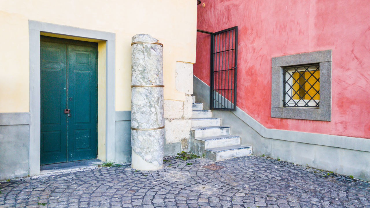 Ancient alley in Pozzuoli, Bay of Naples, Italy Alley Animal Themes Architecture Building Exterior Built Structure Column Day Door Naples, Italy Napoli No People Open Door Outdoors Pozzuoli Rione Terra Window
