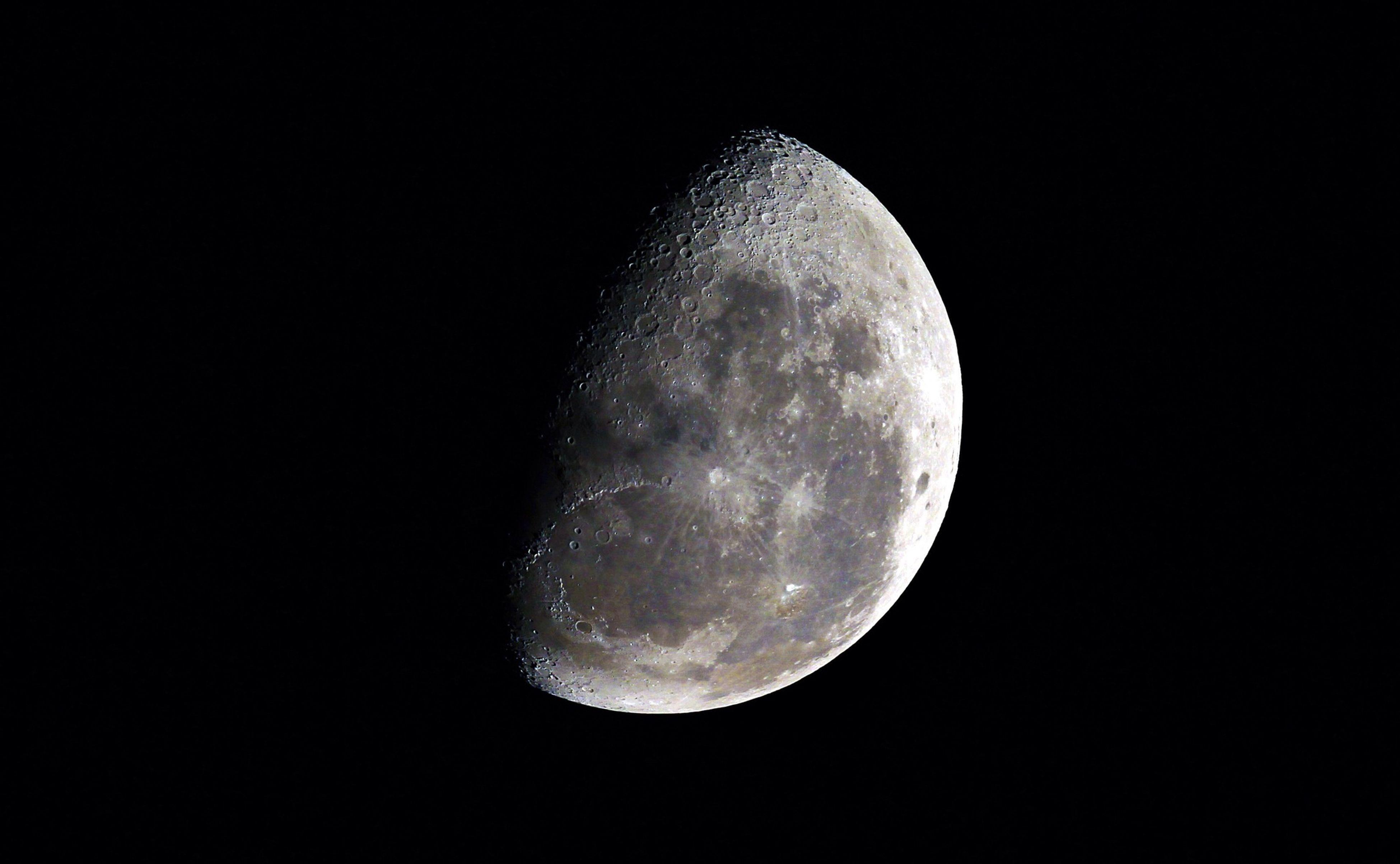 Perfect shot! Moon Selfie Good Nigh ✌