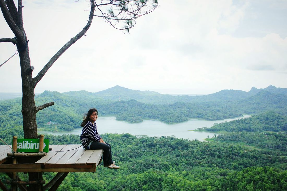 Being alone doesn't always mean alone. Exploreindonesia Explorejogja Kalibiru Treehouse In The Sky Relaxing Amazing View