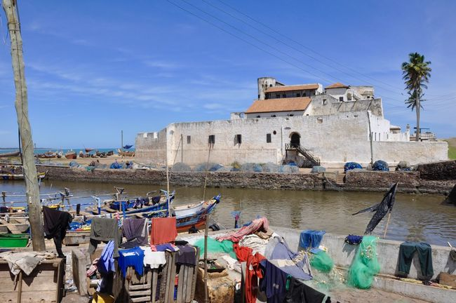Africa Architecture Built Structure Coastline Colonial Colonial Architecture Colonial Power Colonialism Elmina Elmina Castle Fishing Boat Fishing Boat Harbour Fishing Village Ghana GoldCoast Harbour Feel The Journey Outdoors Slave Slave Trade Slavery Traditional Culture Tranquil Scene Tranquility Travel Destinations