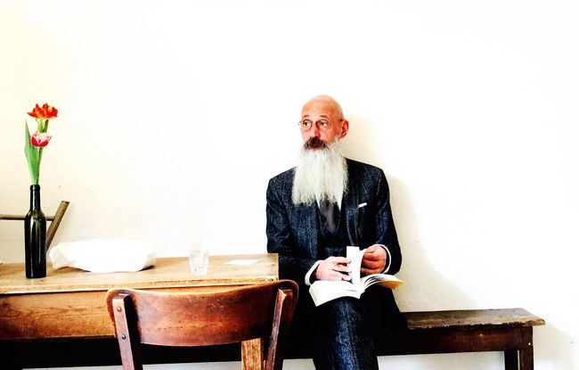 What a wounderful man in a wounderful Place Tea Is Healthy Cappucino Relaxing Taking Photos
