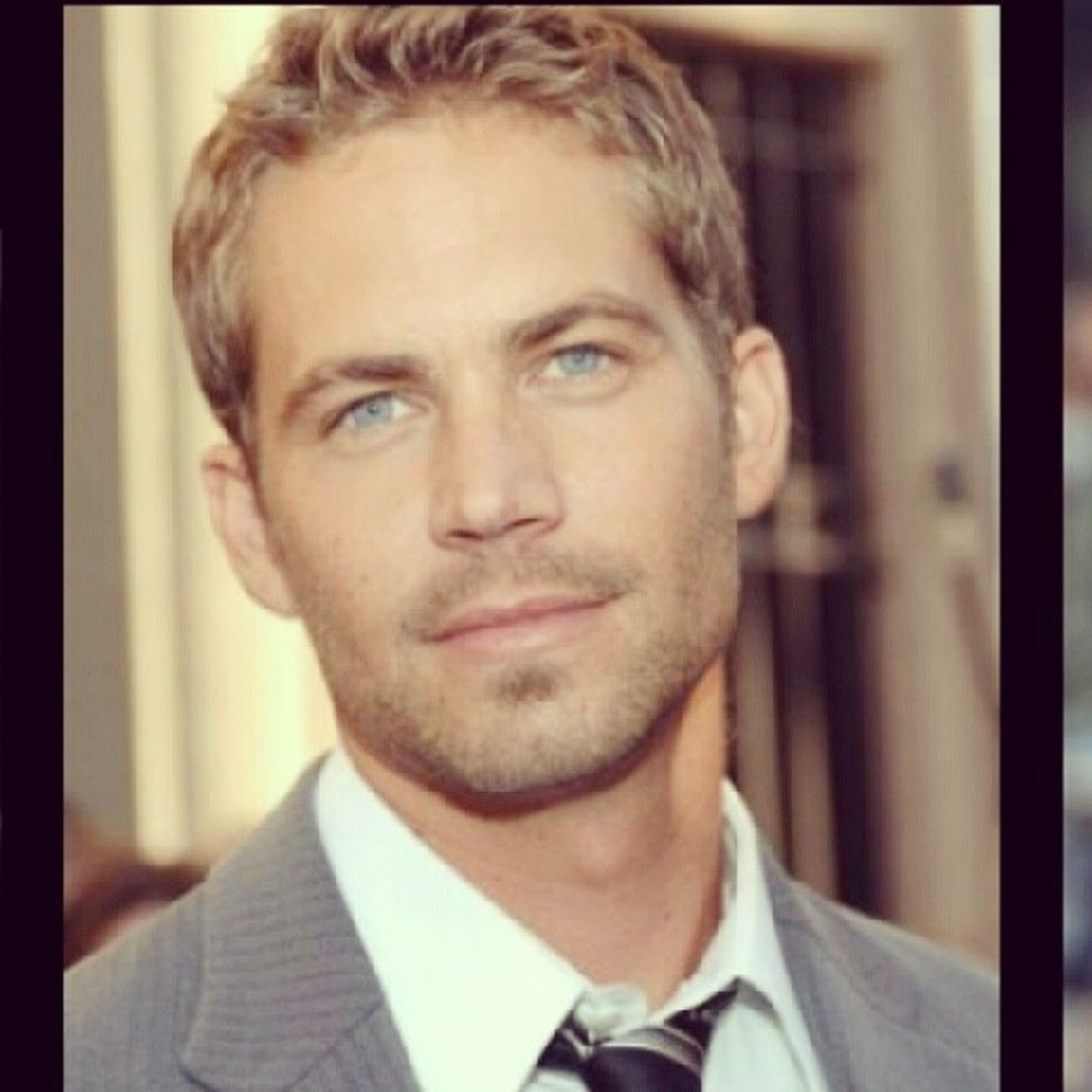 Omg I can't believe that paul walker died :( Rip Restinpeace Sosadaboutit