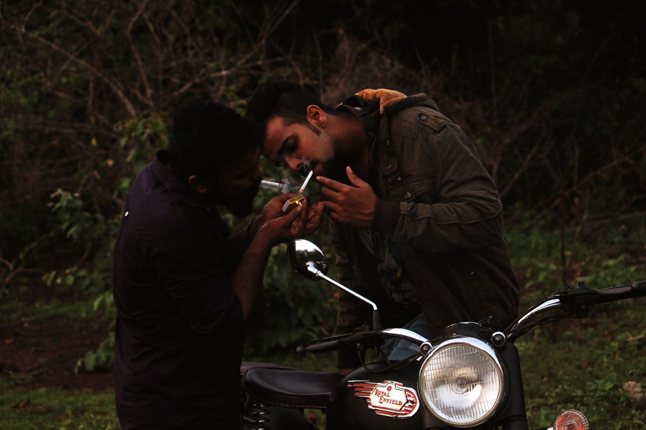 Photography Boys Smoking Smoke Kills Friends Traveling Ride Or Die Friendship Bike Trip Royal Enfield