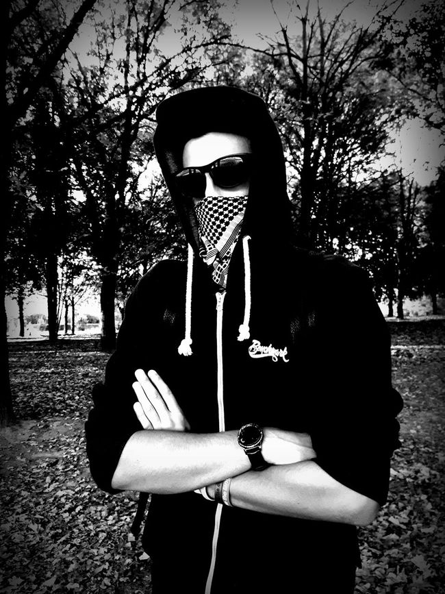 Relaxation Outdoors Casual Clothing Monochromatic Monochrome Photography Monochrome Bad Person Badboy Mio Punto Di Vista Street Fashion Streetphotography Solo Strada 2016😍 Samsung Galaxy S7 Edge Feel The Journey Personal Perspective Black & White Black And White Black And White Photography Black And White Collection