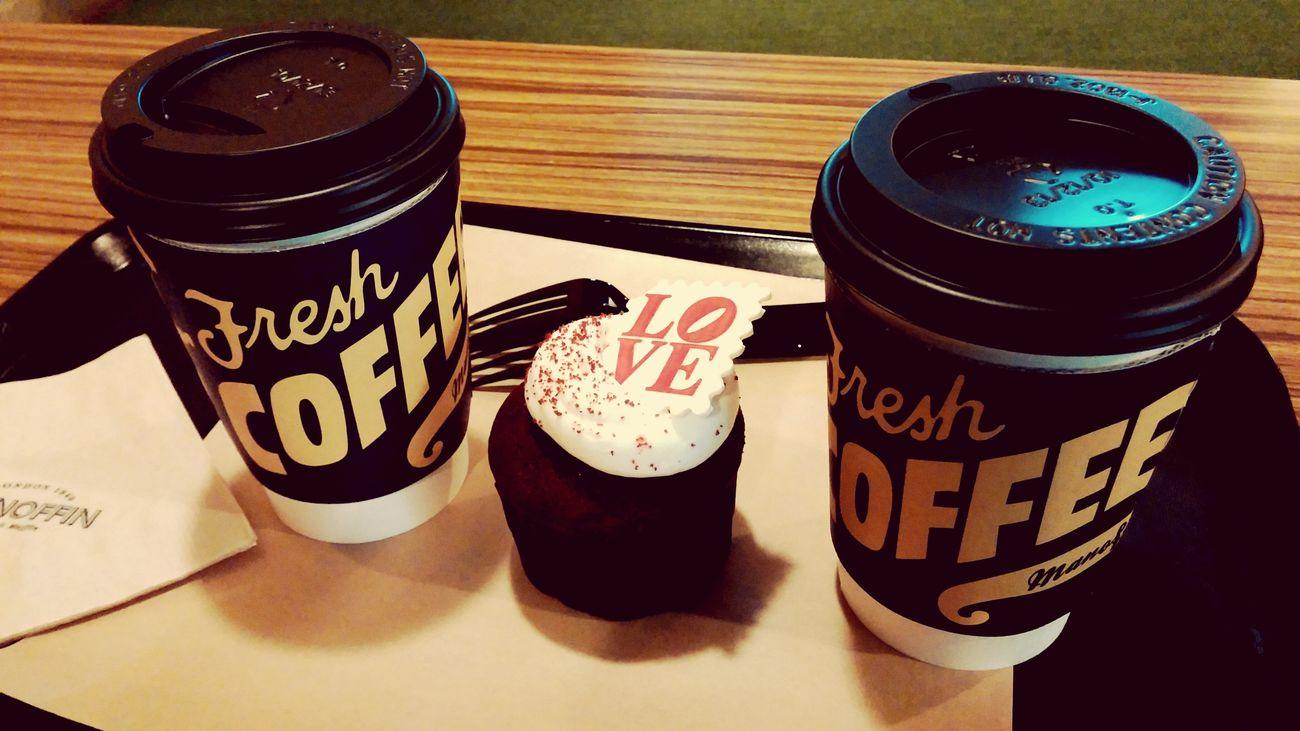 Delicious Cupcakes 날씨가 너무 추워서, 따뜻한 커피와 머핀을 벗삼아 피신 중.
