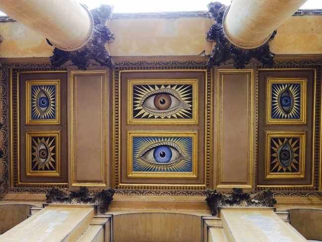 London Lifestyle Ceiling Big Eyes Bigbrotheriswatchingyou England Traveling Architecture Blenheimpalace Watching Mural