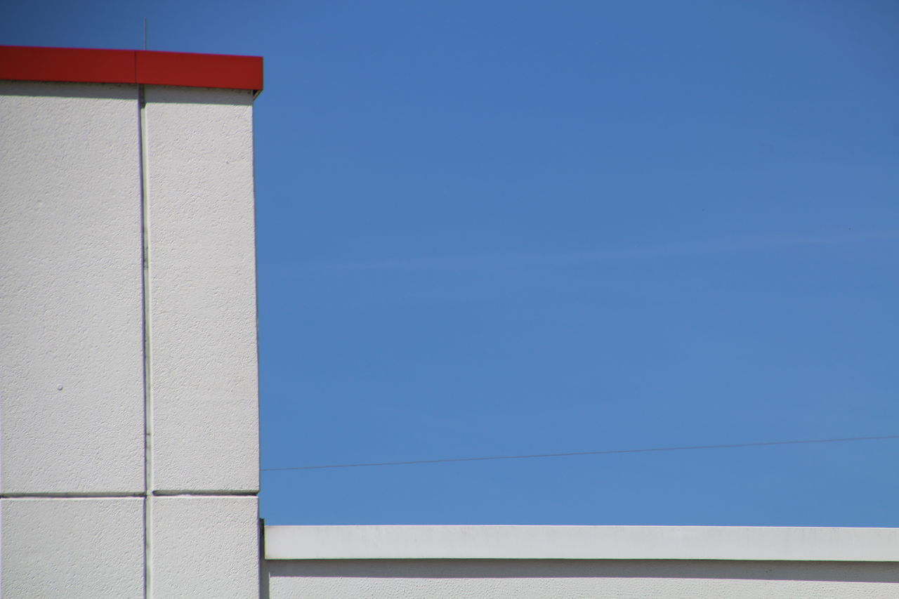 blue, copy space, built structure, clear sky, day, no people, architecture, outdoors, building exterior, sky, nature