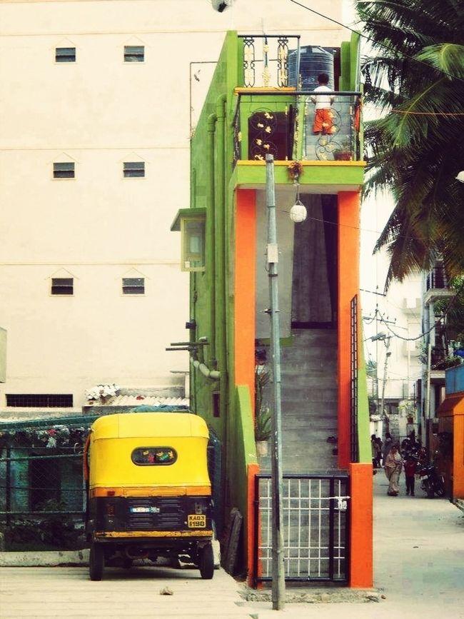 House Zero Size India Taking Photos