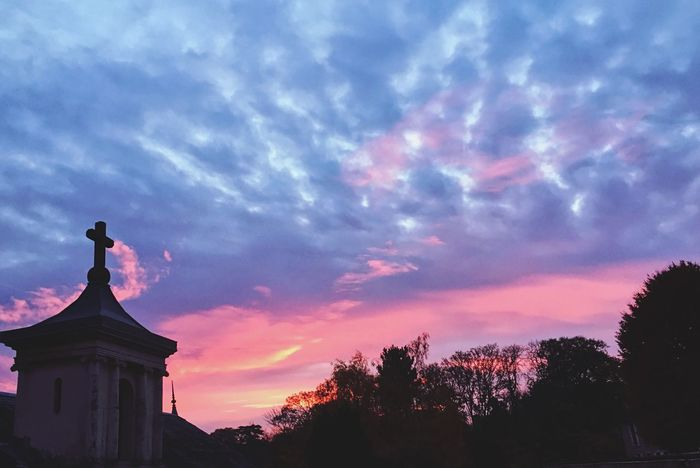 Day light in the morning Sky Cloud - Sky Statue Sunset Silhouette Architecture Sculpture Low Angle View Building Exterior Beauty In Nature