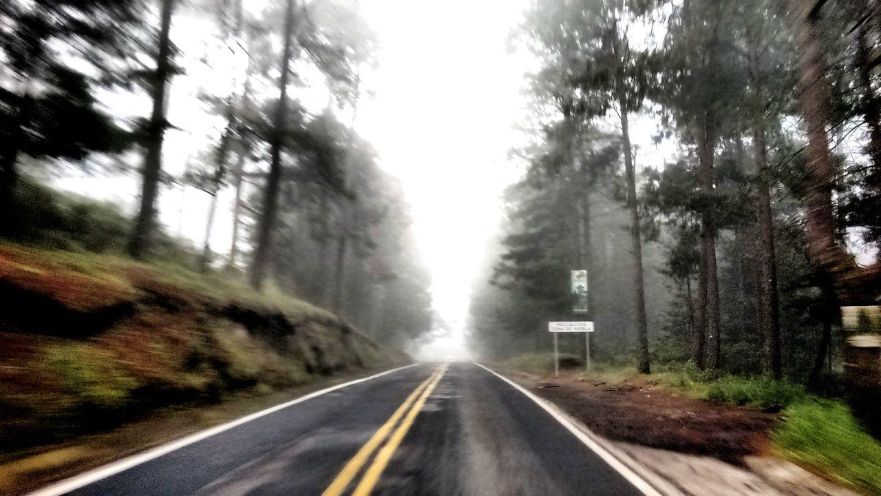En algún lugar entre tlaxco y chignahuapan, te encuentras con este bello paisaje..... Quisiera Vivir Ahí Mi Clima Favorito Highways&Freeways