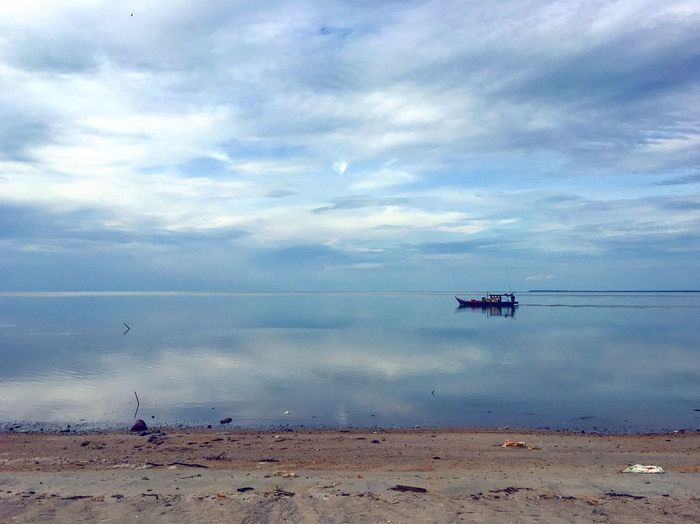 No People Sea Sky Water Cloud - Sky Beach Sand Scenics Horizon Over Water Nature Tranquility Tranquil Scene Outdoors Beauty In Nature Nautical Vessel Day