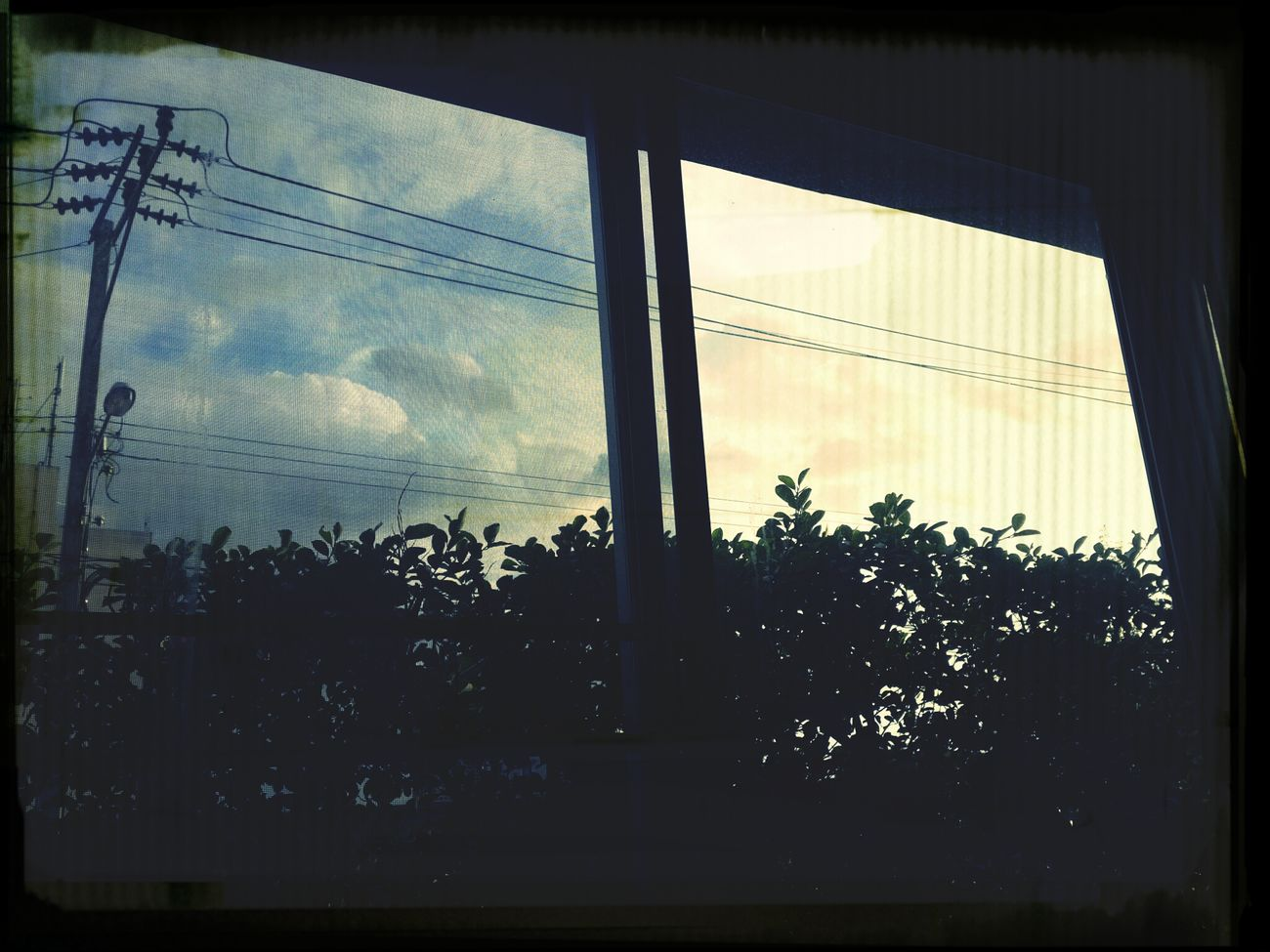 Sunset #sun #clouds #skylovers #sky #nature #beautifulinnature #naturalbeauty #photography #landscape Sunset The IRIS Condo Thailand