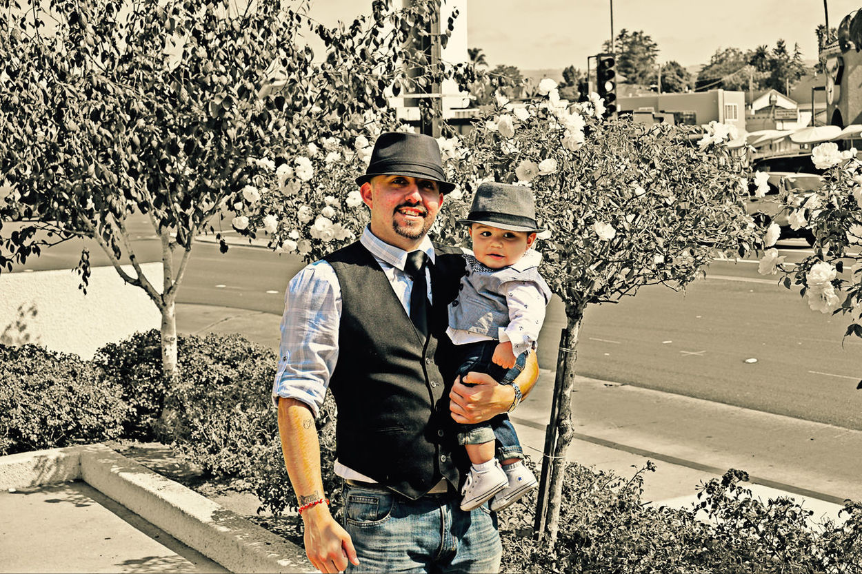 1st photo gig for my friend Alex Grijalva and his nephew/godson Cain Edson Grijalva California Family Família Godfather Godson Looking At Camera Nephew  Portrait Real People Sobrino Tió Uncle Watsonville
