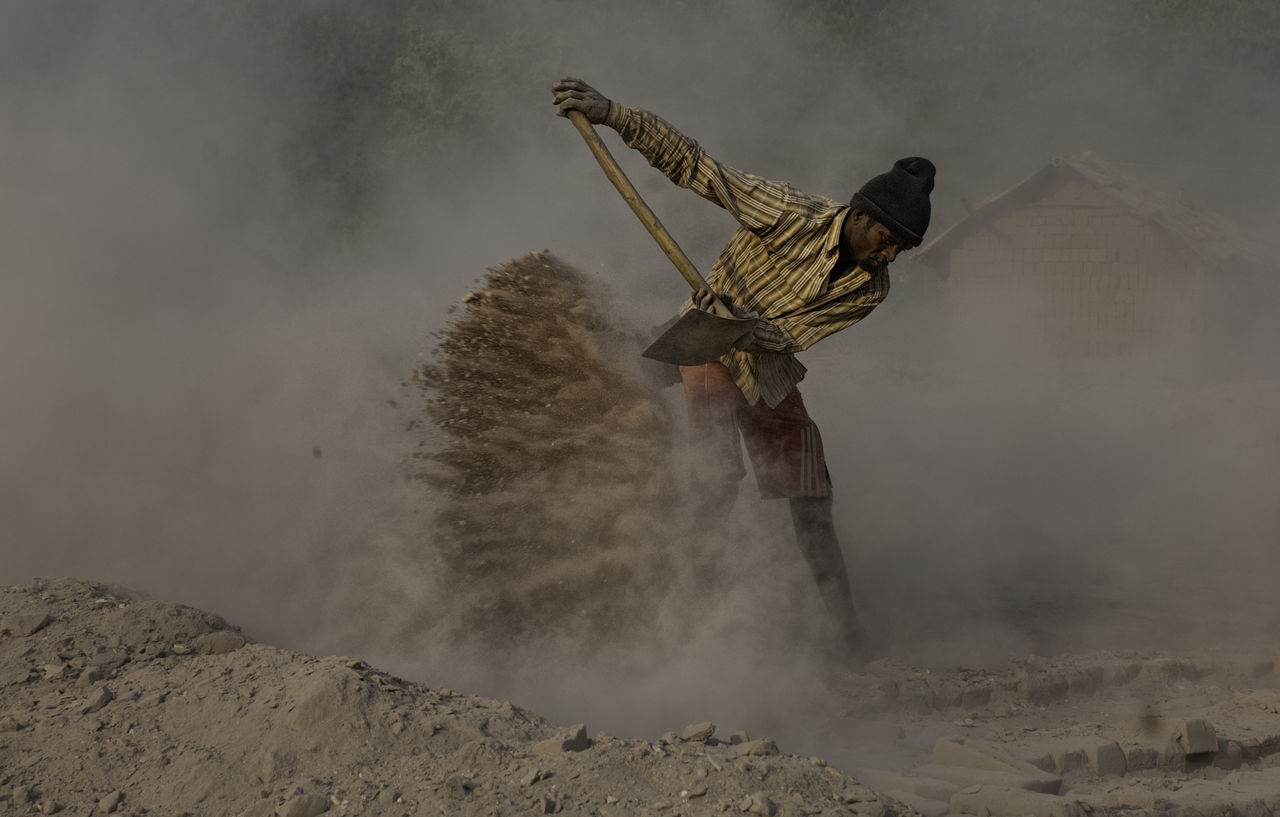 Men at work Brickkiln Workers Dusty Labor Day Life In Motion Men At Work  Motion People And Places Toilers