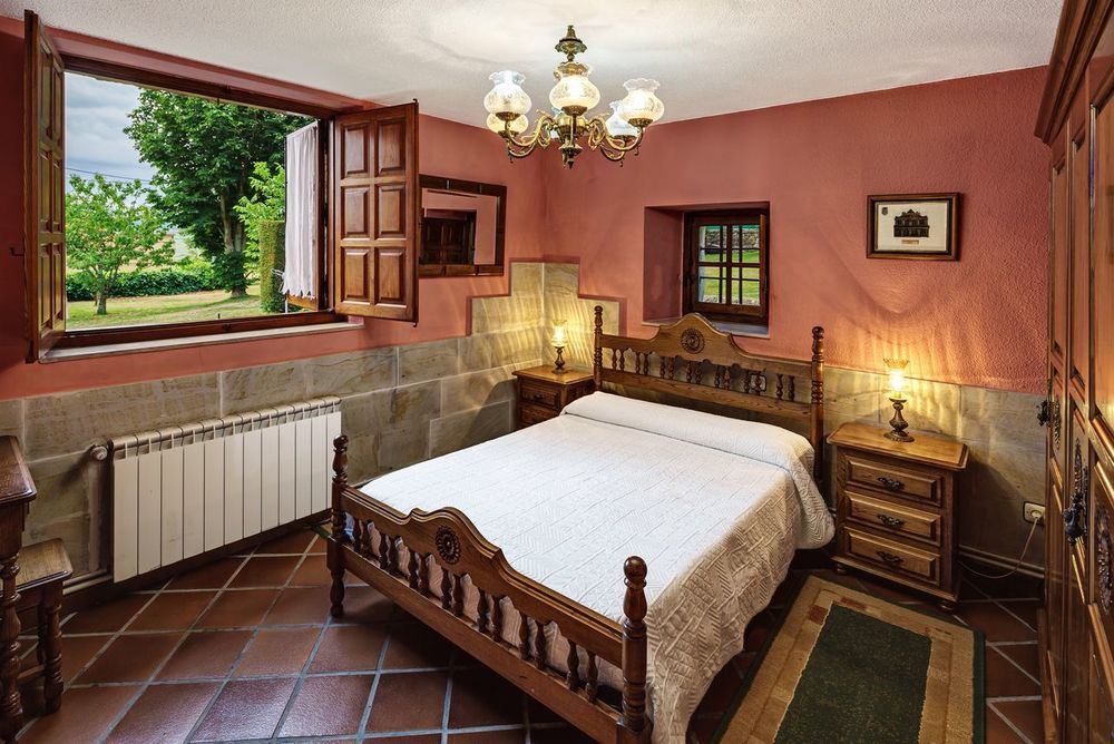 Home Showcase Interior Indoors  Luxury Hotel Hotel Cantabria Posada No People Home Interior Real Estate Photography Interior Design Bedroom Reale Estate Photography Domestic Life Old Buildings