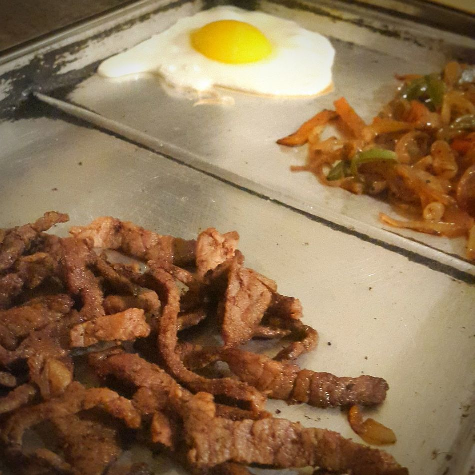 Meat , eggs and vegetables Eggs... Egg Meat! Meat! Meat! Meat Vegetables Sauteed Veggies Sauteed Sauteedvegetables Sauteedbeef Sauteed Onions Sauteed Tacos Time Tacos Taco Tacos De Carne Acada