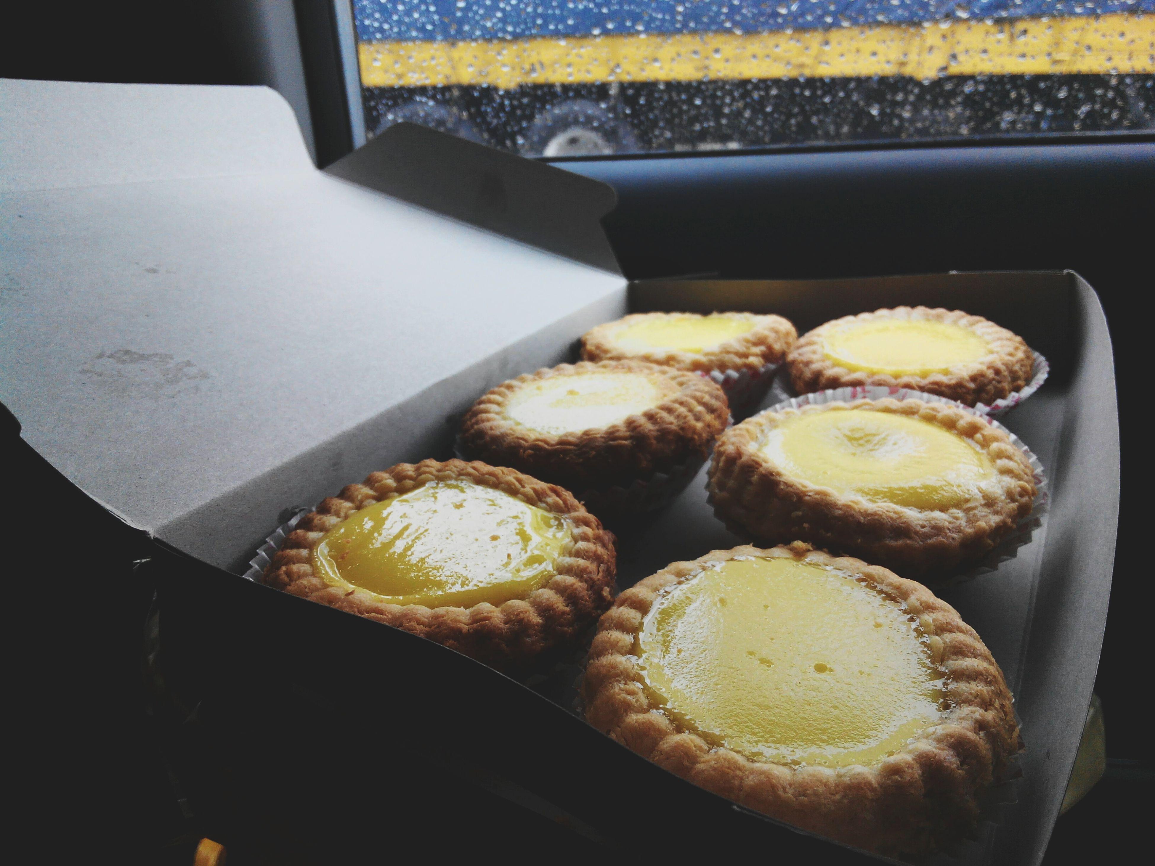 凉凉的天气,来个热乎乎的蛋挞😍😍 我是蛋挞控