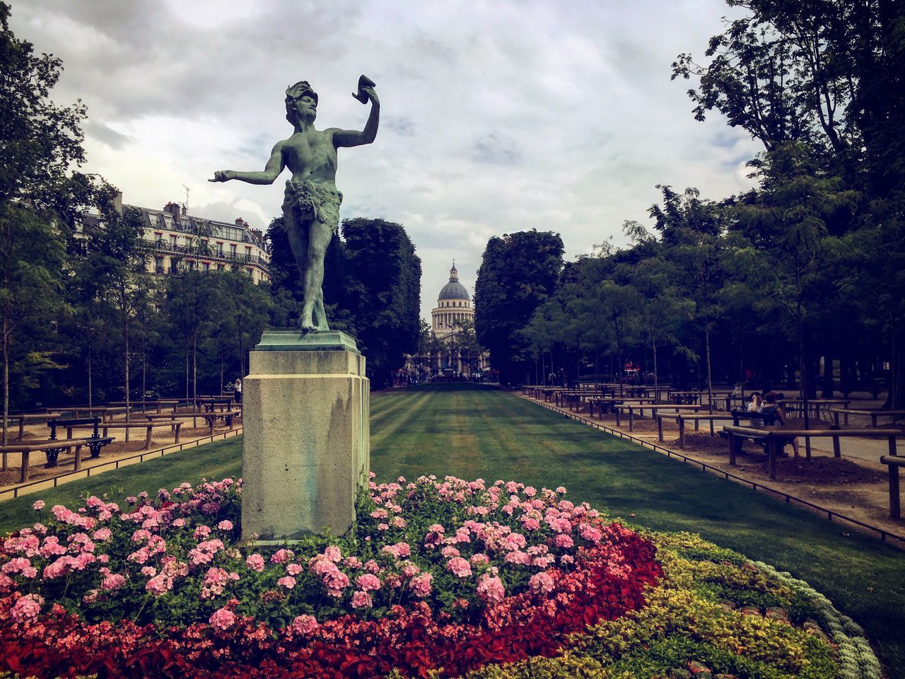 Beauty In Nature Cloud - Sky Day Flower France Freshness Growth IPhoneography Jardin Du Luxembourg Luxemburg Nature No People Outdoors Paris Plant Seightseeing Sky Statue Tourism Tree