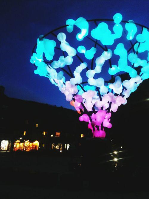 Cotton Candy Sculpture Night Lights Darkness And Light Light In The Darkness Light And Shadow Cottoncandy Creative Light And Shadow