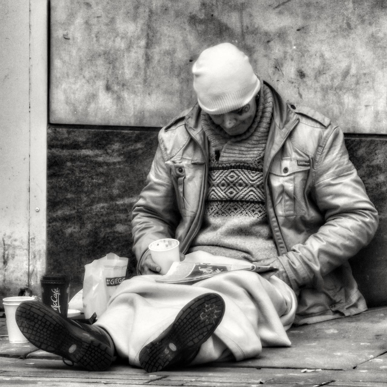 We need to be thankful for the things we have & remember how lucky we are .Taking pictures of people in and around Manchester for my people of Manchester collection People Watching People Of Manchester Homeless Of Manchester Uk Showcase March Everybodystreet Eyem Black And White EyeEm Best Shots - The Streets Monochrome Black N White Collection Hdr_Collection Hdr Photography Fujifilm Black And White Black And White Photography Black And White Collection  Street Portrait Bnw Photography Street Life Streetphotography_bw Bnw_life EyeEm Best Shots Street Photography Black & White Portrait Black And White Street Photography