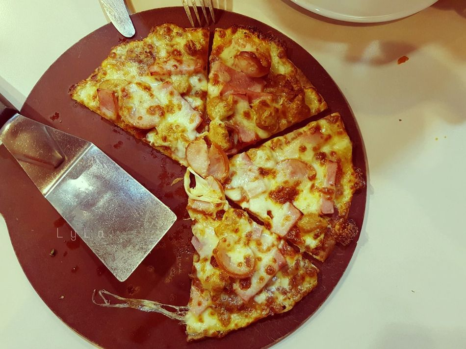 Pic. 2 Yummy Italian Food Pizza Pepporonitopping Cheese PhotobyLyla