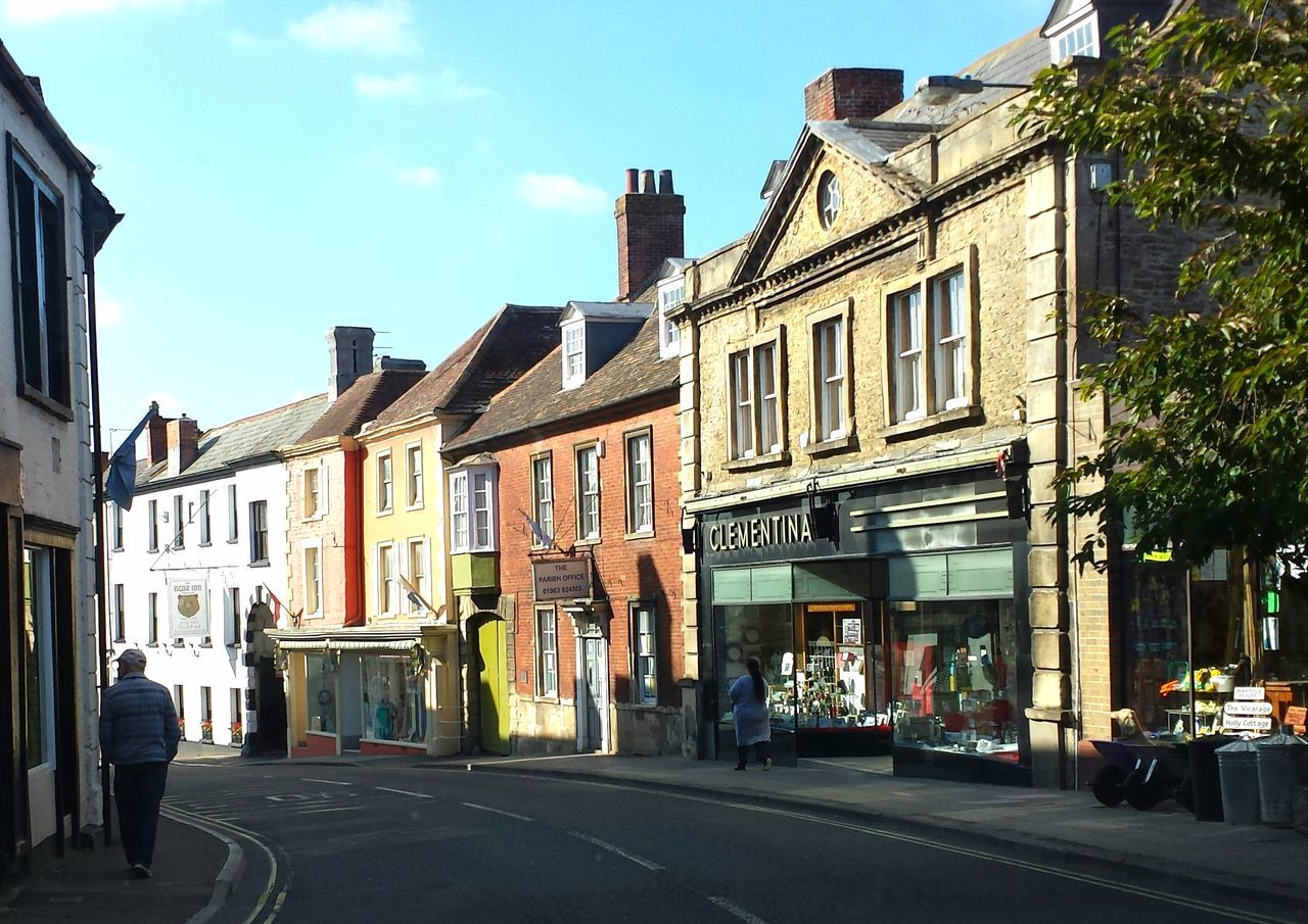 Wincanton, Somerset High Street, Wincanton Ancient Town Somerset Uk Rural Life Clementina Building Exterior Architecture Autumn🍁🍁🍁 Sunlight And Shadow Samsung Galaxy S4 Shops Wessex West Of England People Somerset England