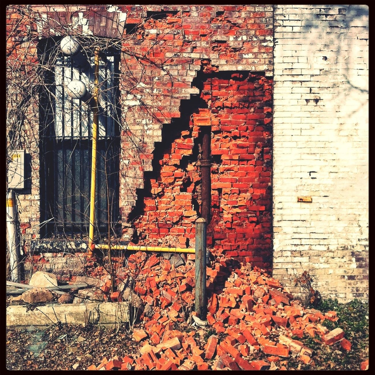 Abandoned & Derelict Backstreets & Alleyways Brickporn