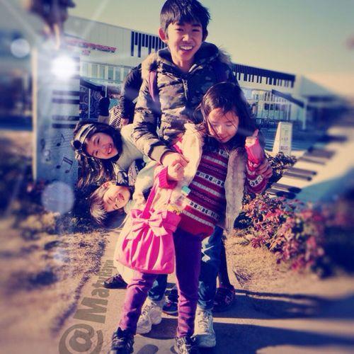 双子 Children Twins 子供 散歩 People Happy