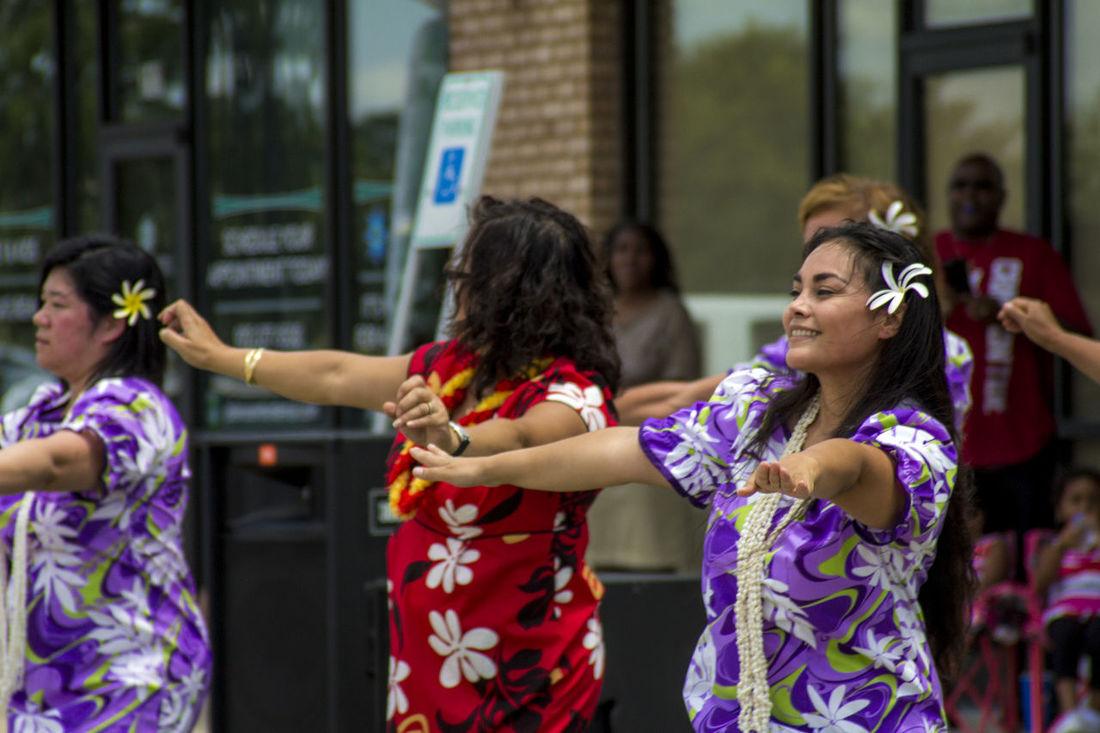 Casual Clothing Dance Dancers Dress Enjoyment Family Festival Focus On Foreground Friendship Fun Happiness Hawaii Hawaiian Hula Leisure Activity Lifestyles MOOMOO Mumu Purple Summer