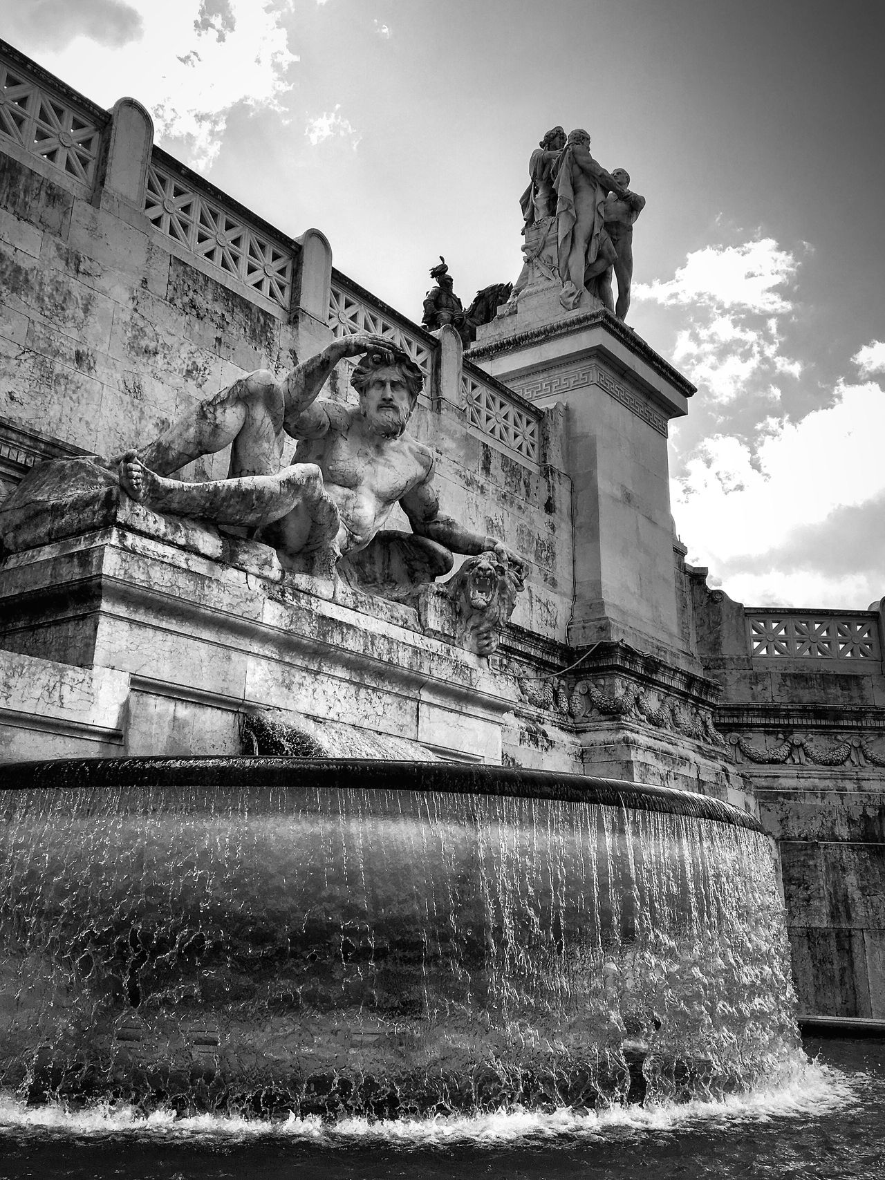 When in Rome 016 Human Representation Statue Art And Craft Low Angle View Fountain VSCO Monument Black & White Photography Shootermag Rome City Italy IPhoneography Lightroom Mobile Black And White Blackandwhite
