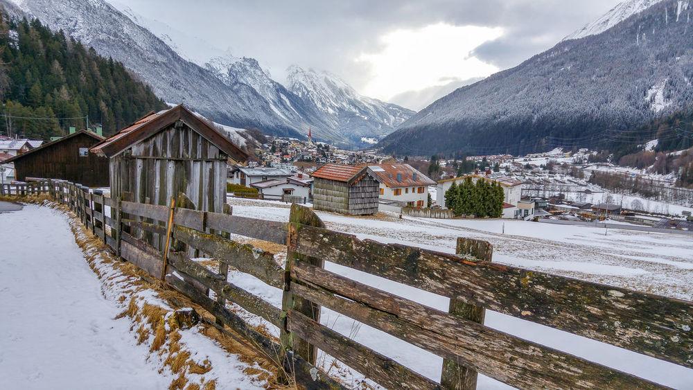 Landscape Mountain No People Non-urban Scene Outdoors Scenics Snow Snowcapped Mountain Weather Winter