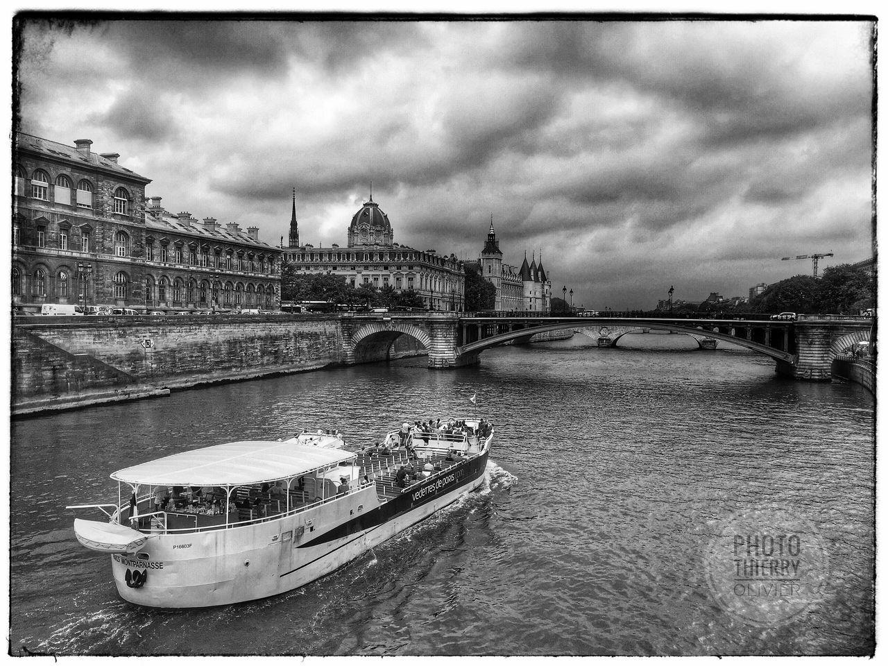 Paris Presse Rural Scenes Artphoto Notre Dame De Paris Art Gallery Art Journalism Press Photographer Noir Et Blanc Blackandwhite Photojournalism Photos Photography Photo France