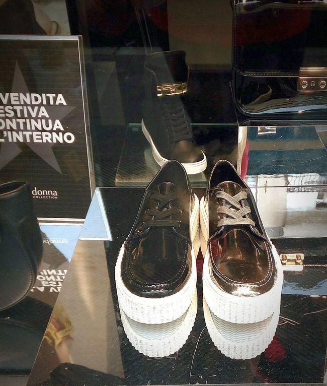 Shoes Shoesaddict Shoesporn Italianshoes Style Fashion Photography Stylish Style And Fashion Group Of Objects Retail  Details Shopping Time Shopping Shops Accesories Blackshoes Italianshop Italy Europefashion Europe Addiction ❤️