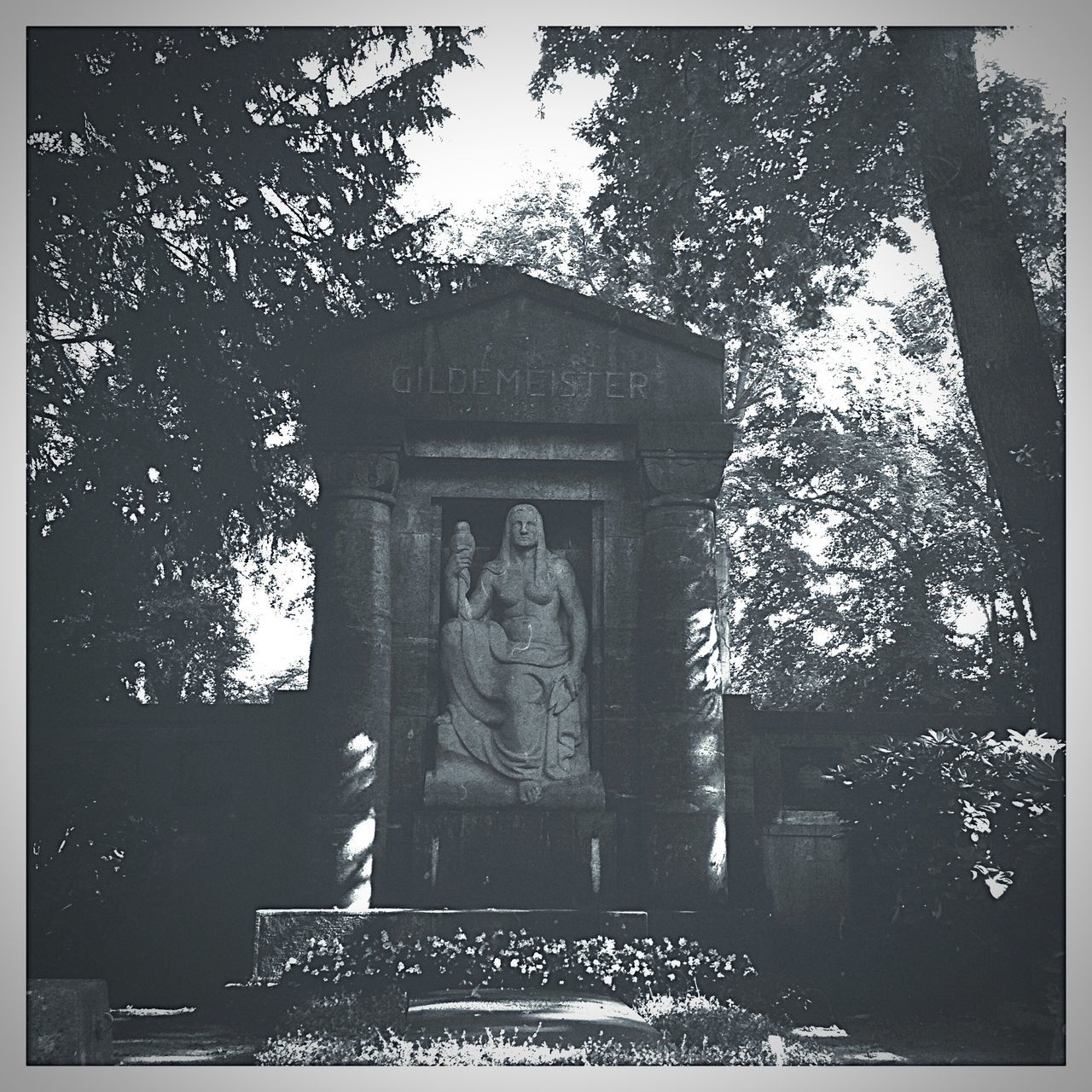 Denkmal Monuments Grabstein Statue Statues Hipstamatic