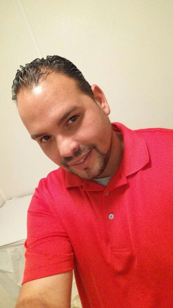 That's Me Hello World Selfie Time Follow Me Selfie Portrait Color Portrait Kik Baldito1222 Look So Grey! Red 😻