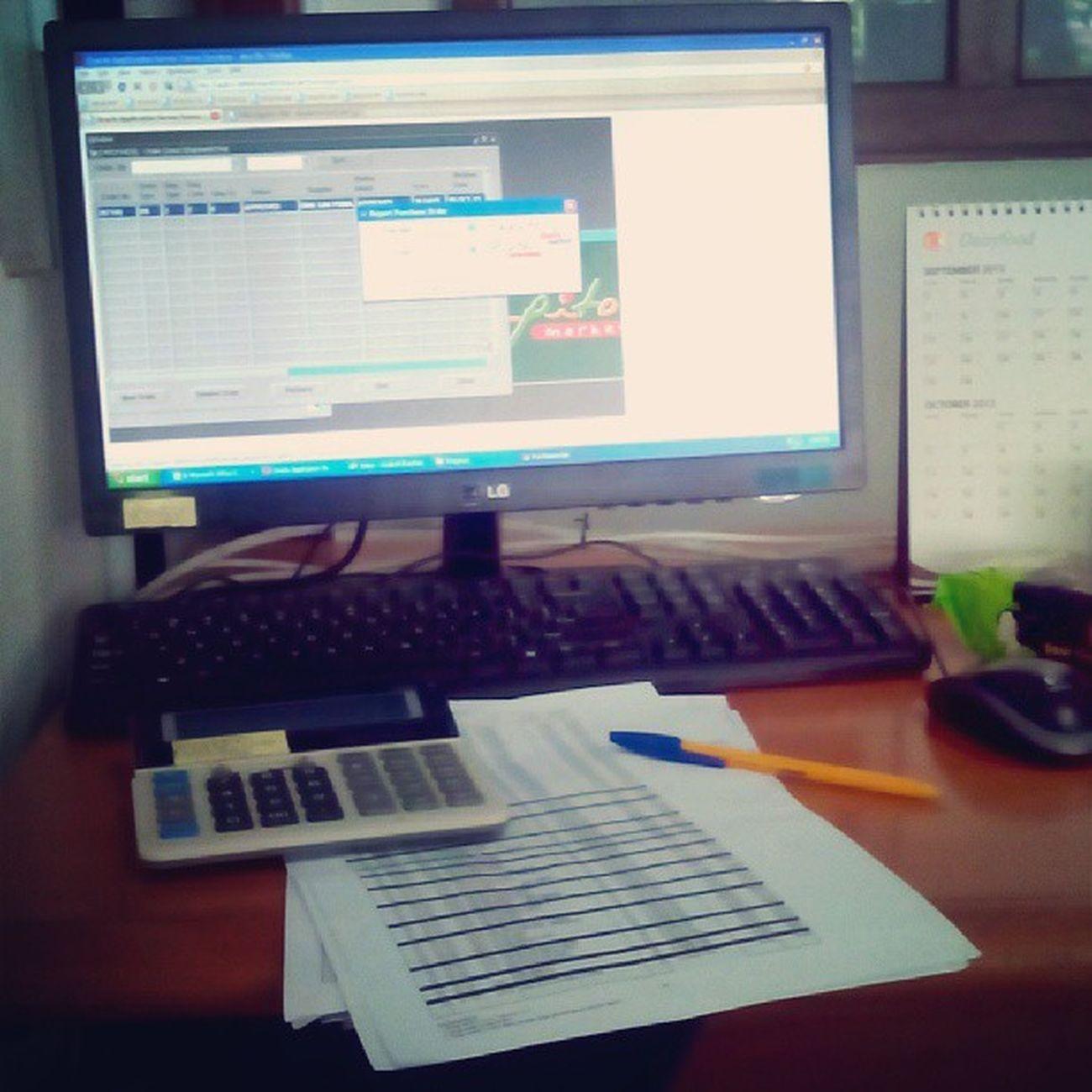 Meja kerja...