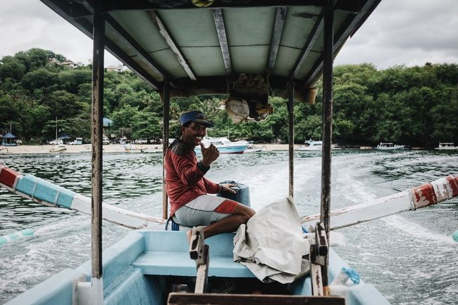 Boat Boat Ride Boat Trip Man Happy Thumbs Up Smile Traveling Travel Travel Photography INDONESIA Bali