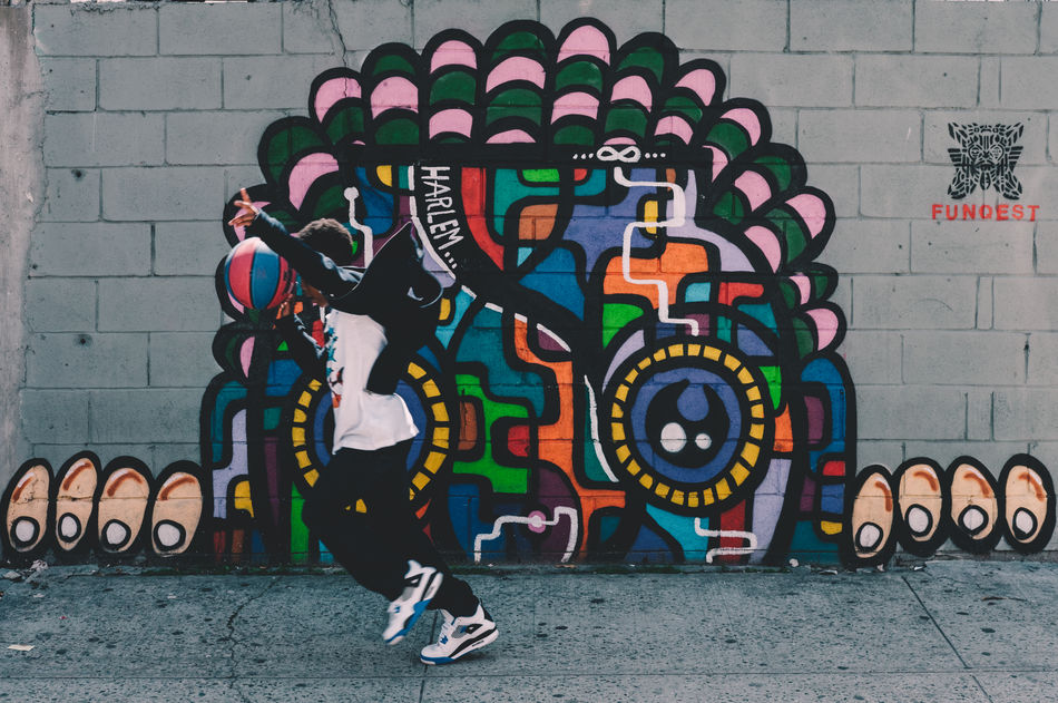EyeEm Diversity Streetphotography Street Art Graffiti Multi Colored Outdoors Day No People FUJIFILM X-T2 Basketball New York City Cityphotography Adapted To The City