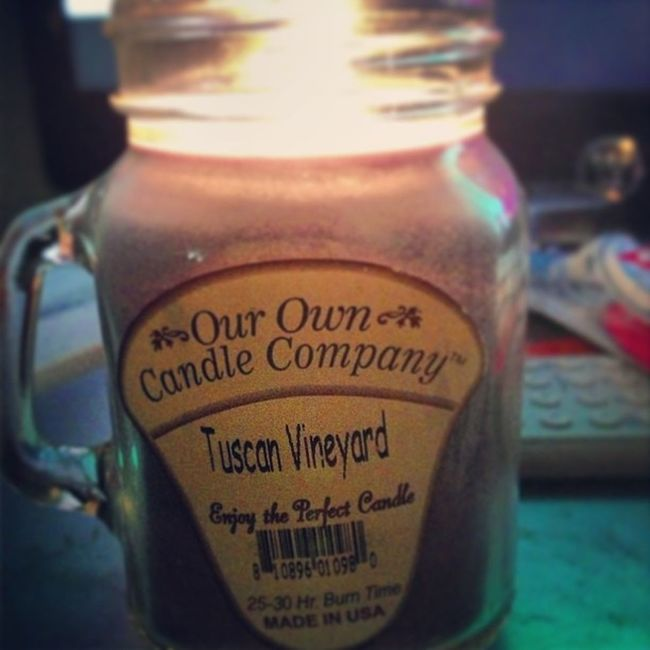 Candle Smellsgood TuscanVineyard Purple