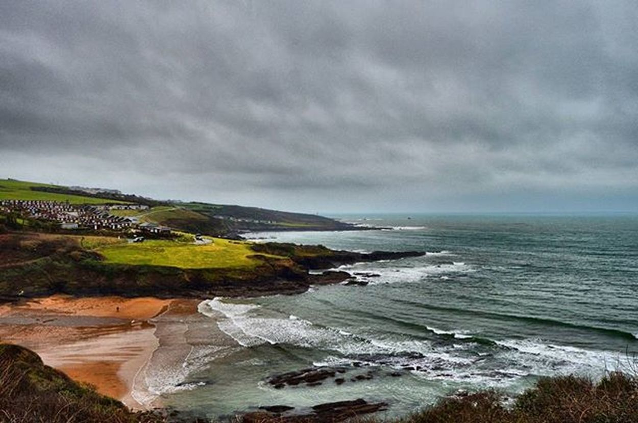 View of Bovey beach Boveysands Plymouth Beach Wetandwindy Tideout Waves Amaturephotography Photography Greysky Coastalwalk Dayout Daily_photoz Swisbest @swisbest Nikond3200 Nikon Nikonphotography
