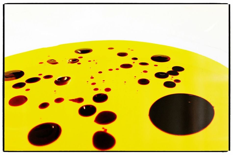 Olive oil and balsamic vinegar abstract Close-up Yellow No People Indoors  White Background Day Olive Oil Balsamic Vinegar Salad Dressing Vinaigrette Abstract Extra Virgin Olive Oil Cold Pressed Blobs Liquid Bowl