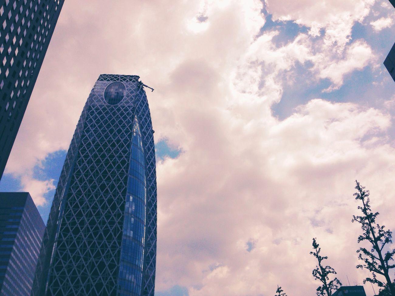今日の空 / today's sky 旅行中にカメラを落下させてしまい…不具合はないもののフォーラムへ。 My camera is checking and creaning now. Sky Cityscapes