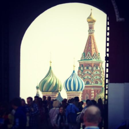 Red Square Moscow St Basil's Cathedral Travel Destinations City Built Structure Architecture Large Group Of People Crowd Tourist Destination Cathedral Arch Russia