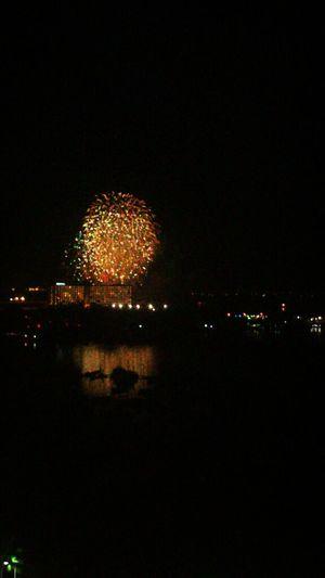 Ganda ng fireworks :| nuod sa terrace :|