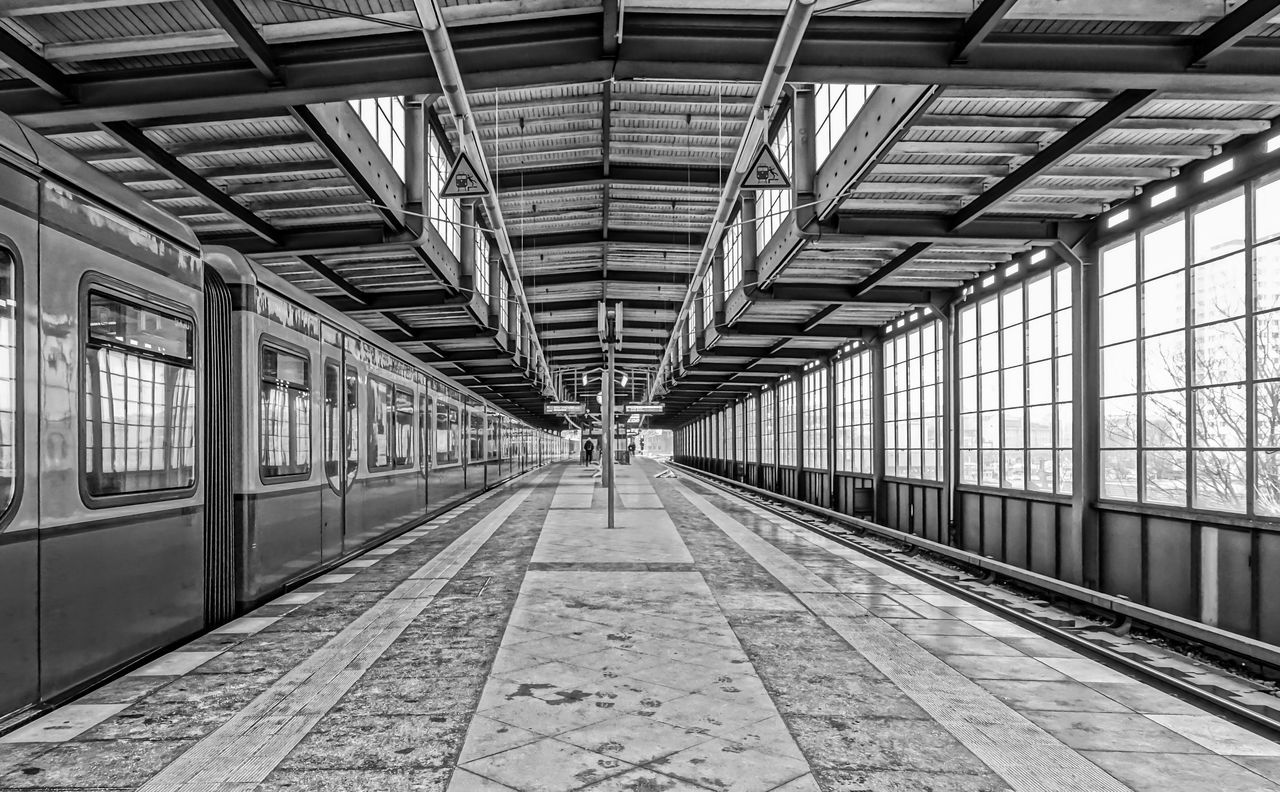 Architecture Black & White Black And White Built Structure Day Indoors  No People Public Transportation Public Transportation Railroad Station Railroad Station Platform S-bahn S-bahnhof Subway Subway Station The Way Forward Transportation Transportation Urban Exploration