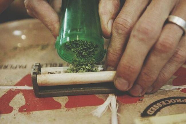 Smoking Weed Smockeweedeveryday Smocking Drug Gold And Gore Morning