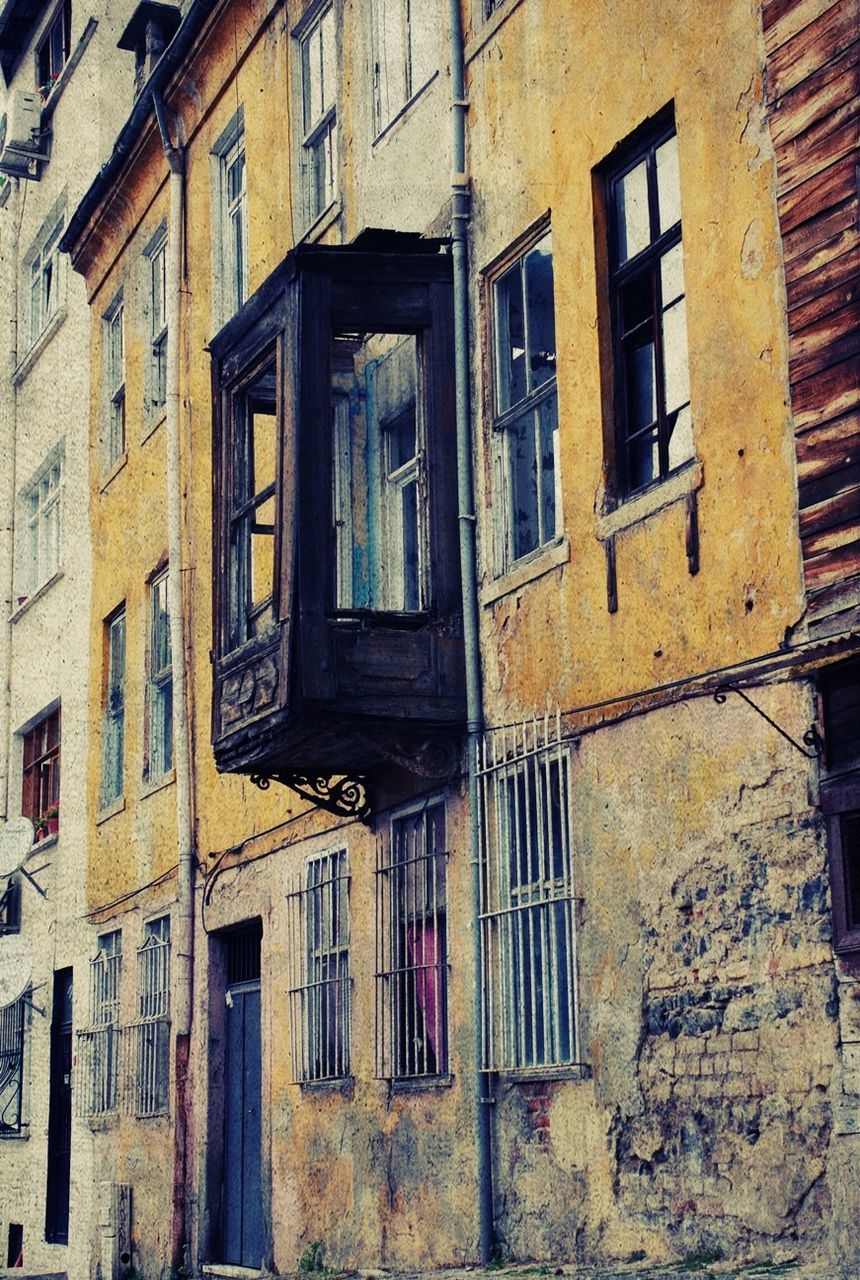 architecture, window, building exterior, built structure, weathered, low angle view, no people, day, outdoors, abandoned, residential building