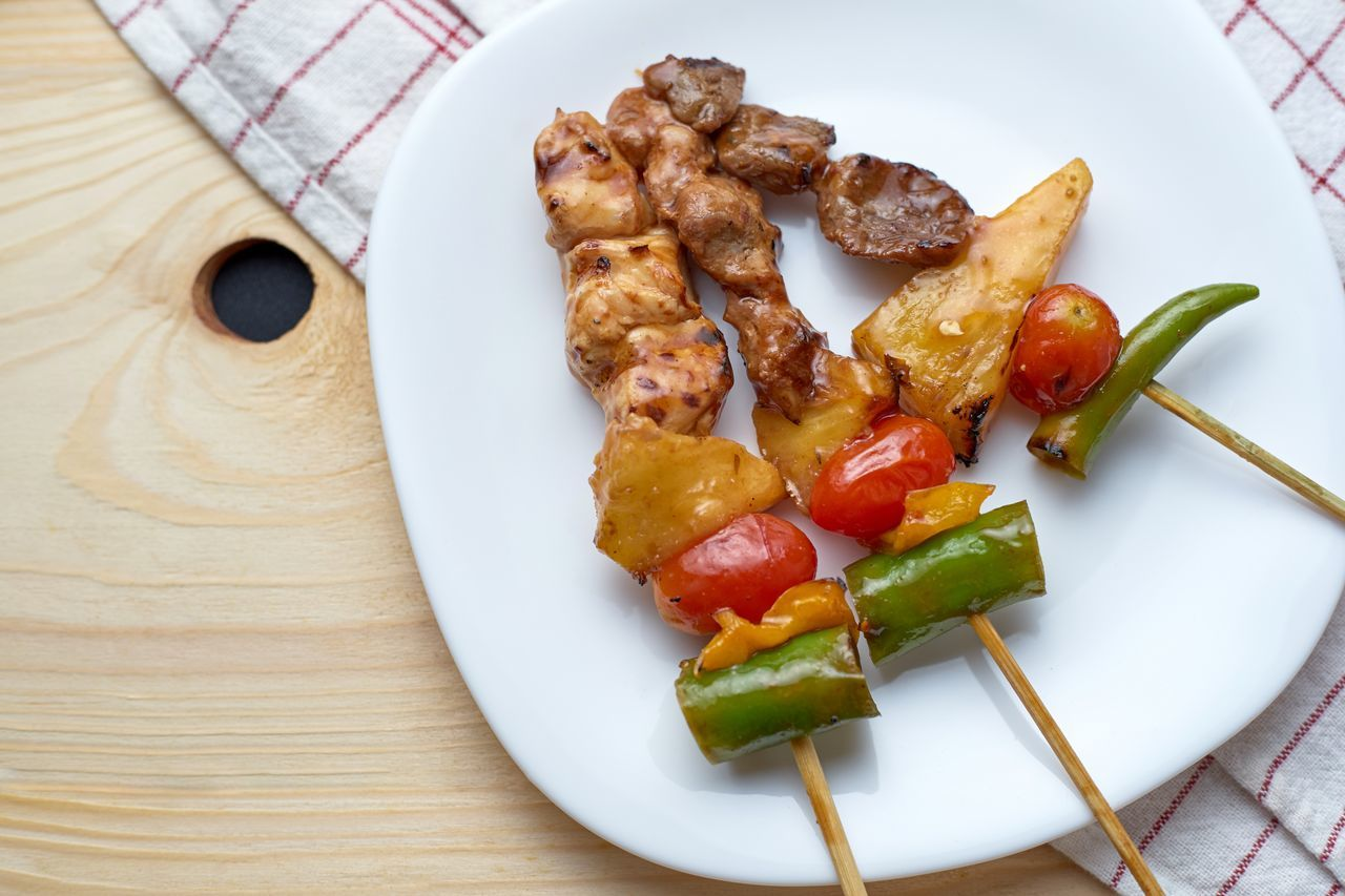 Barbecue Barbeque BBQ Close-up Food Freshness Grill Healthy Eating High Angle View Homemade Indoors  No People Plate Ready-to-eat Serving Size Skewer
