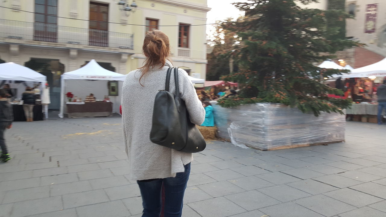 Christmas Tree Hand Bag Market Person Standing Tree Winter Wonderland Woman With Bag